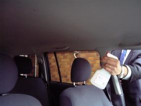 車の天井の消臭